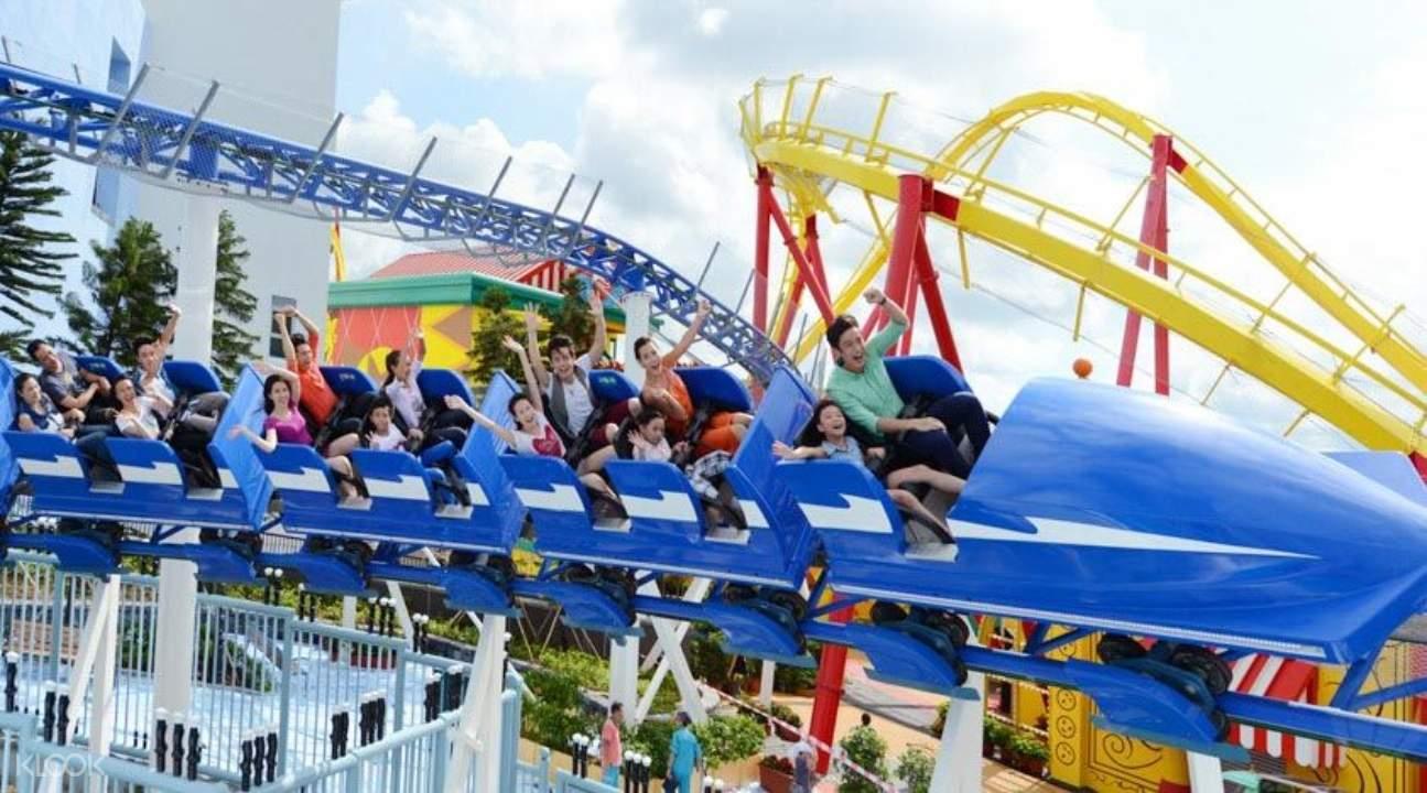 rollercoaster in Ocean Park Hong Kong